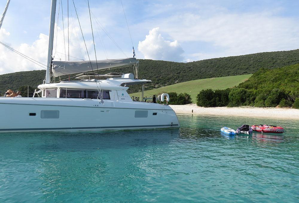 Alquiler de barcos Leucade barato de Lagoon 421