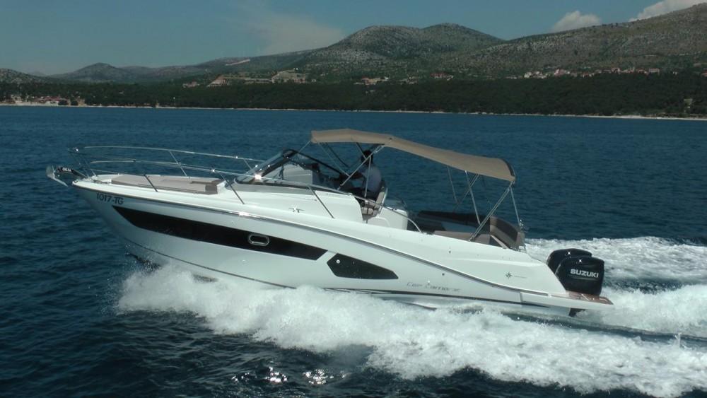 Alquiler de barcos Jeanneau Cap Camarat 10.5 WA enTrogir en Samboat