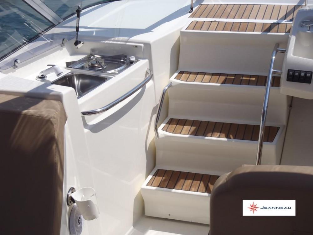 Alquiler Lancha Jeanneau con título de navegación
