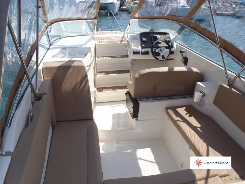 Alquiler de yate  - Jeanneau Cap Camarat 7.5 DC en SamBoat