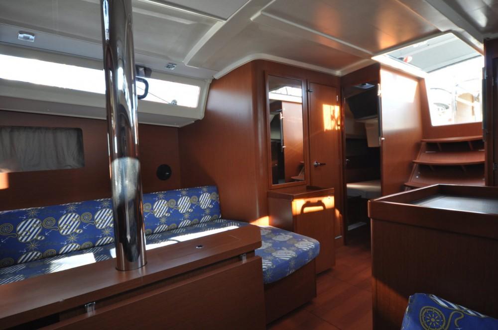 Alquiler de barcos Dereköy barato de Oceanis 41.1