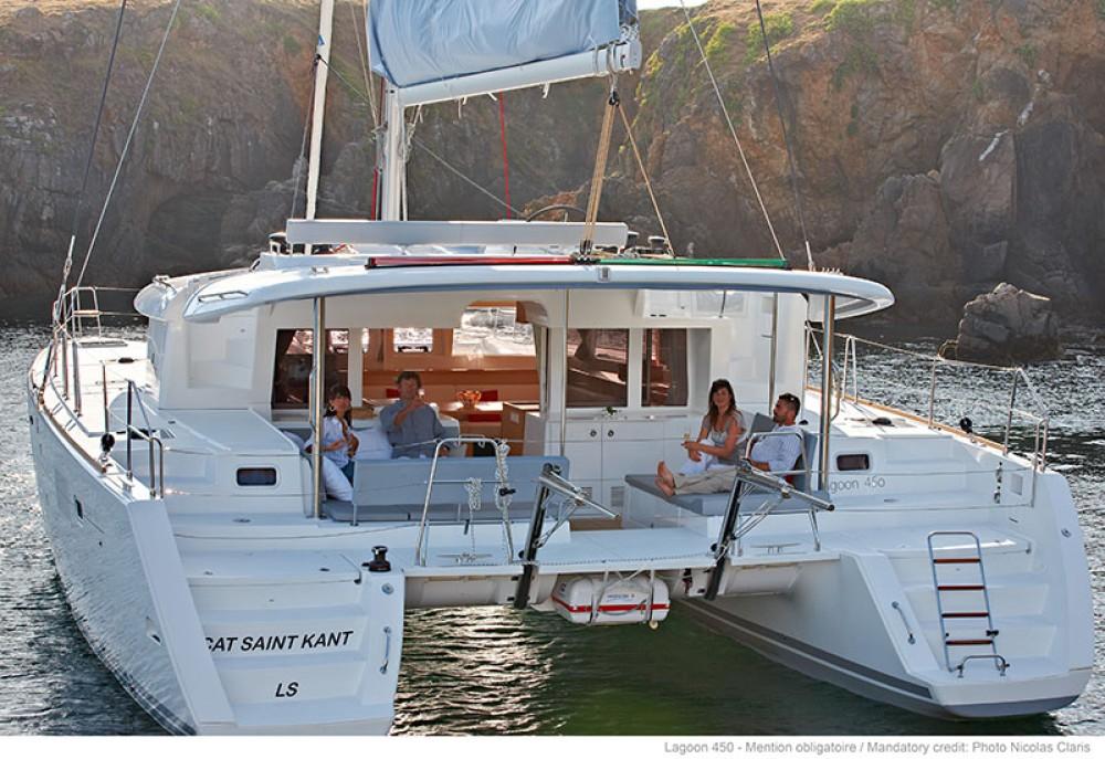 Alquiler de barcos Peloponnese barato de Lagoon 450