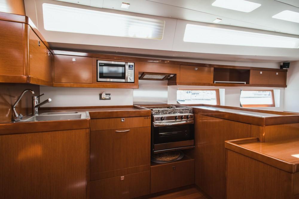 Alquiler de yate  - Bénéteau Oceanis 55 en SamBoat