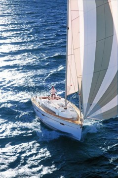 Bavaria Cruiser 41 entre particulares y profesional Álimos