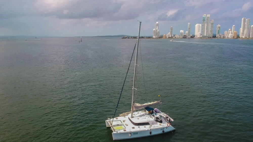 Catamarán para alquilar Cartagena al mejor precio