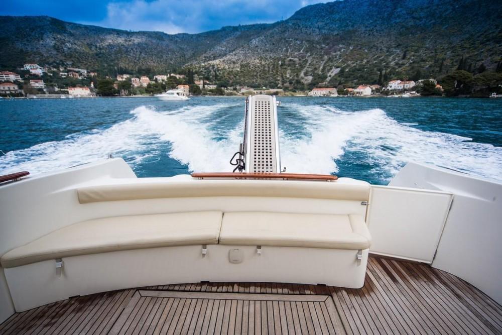 Alquiler de barcos Croacia barato de Prestige 36 Fly