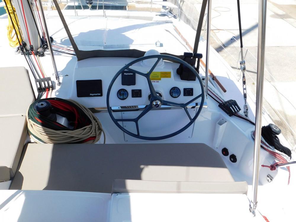Catamarán para alquilar Marina Kaštela al mejor precio