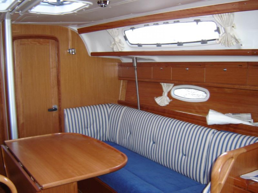 Bavaria Cruiser 38 entre particulares y profesional Marina Šangulin