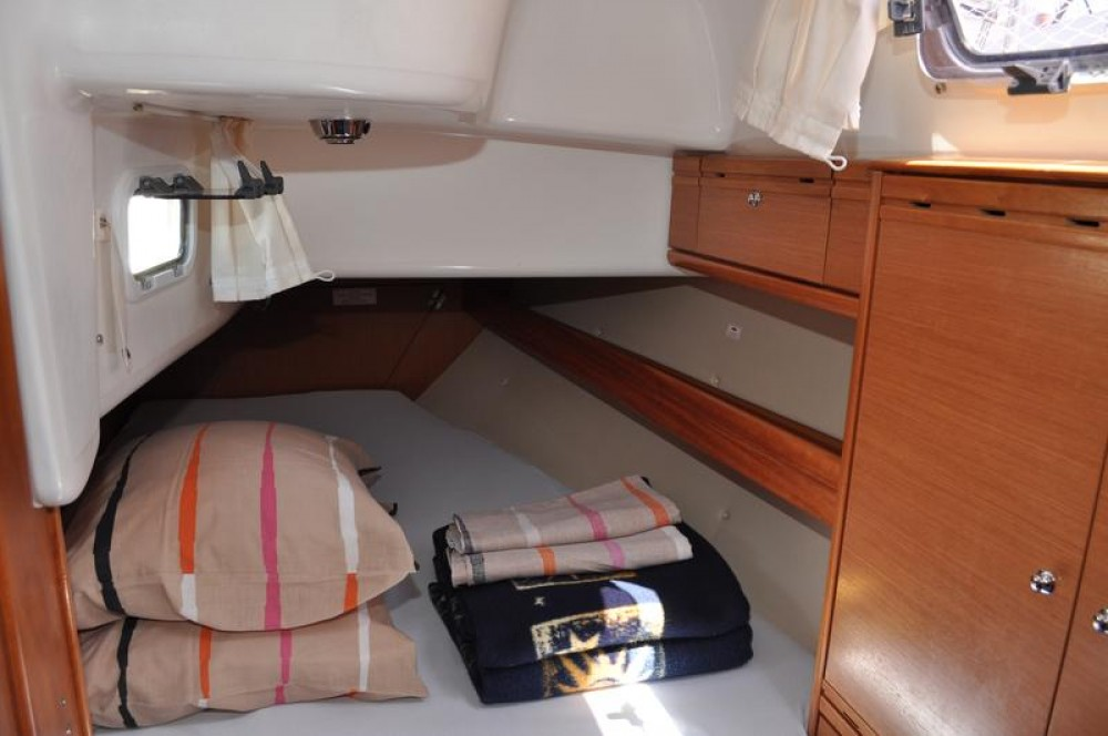 Alquiler de yate Marina Šangulin - Bavaria Cruiser 38 en SamBoat