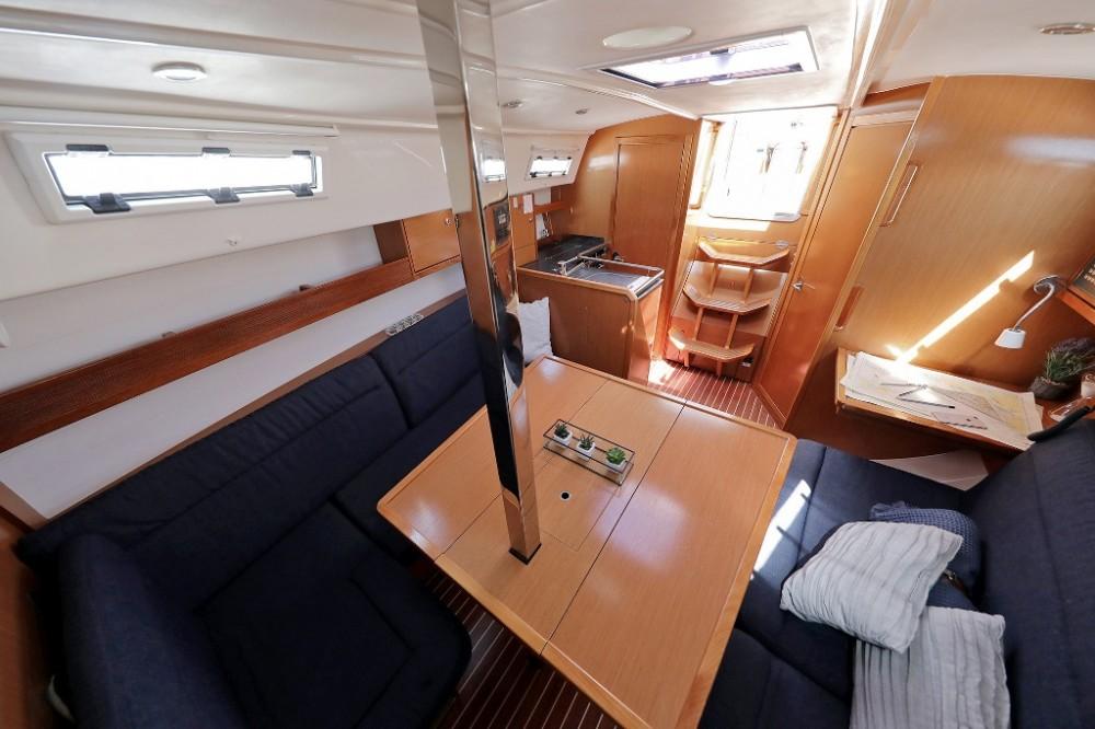 Alquiler de Bavaria Cruiser 32 en Marina Šangulin