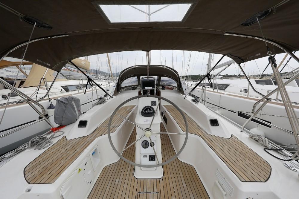 Alquiler de Bavaria Cruiser 33 en