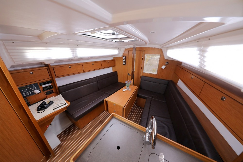 Alquiler de yate  - Bavaria Cruiser 33 en SamBoat
