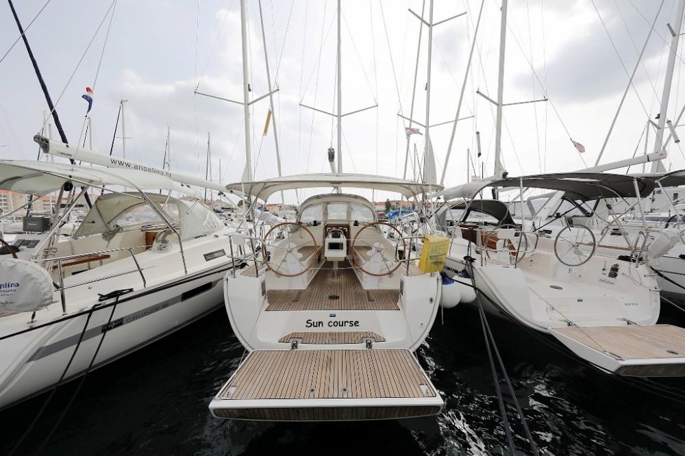 Alquiler de barcos Marina Šangulin barato de Cruiser 37