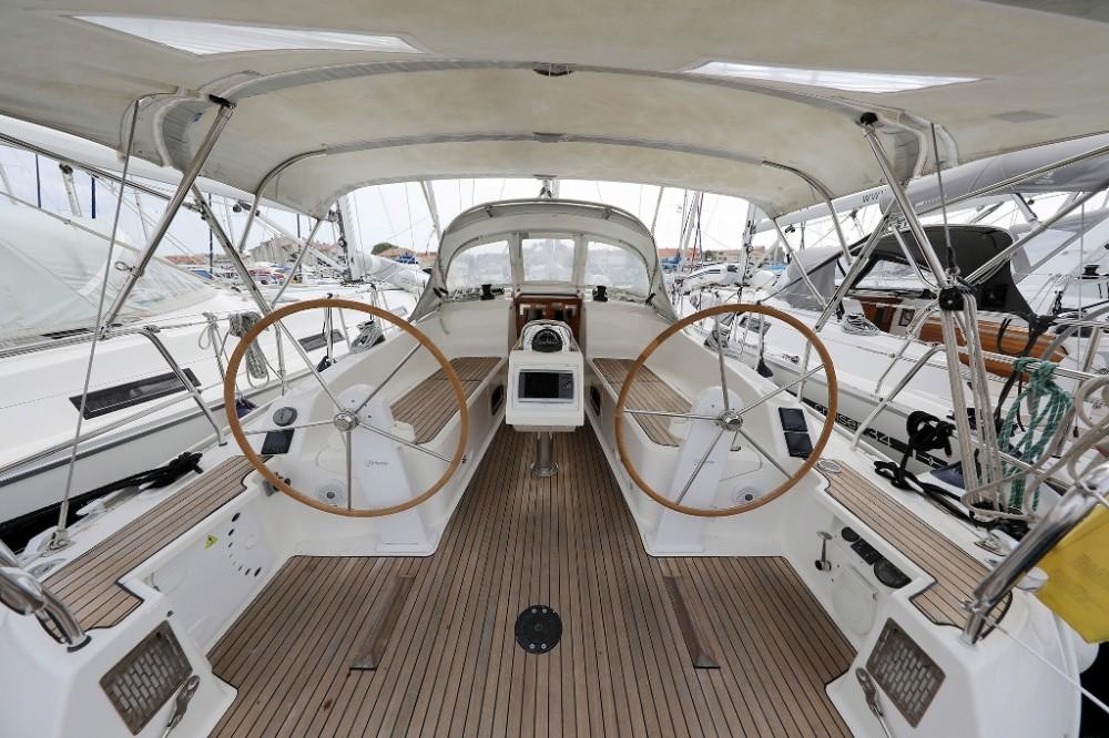 Alquiler de Bavaria Cruiser 37 en Marina Šangulin
