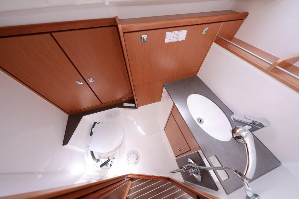 Alquiler Velero en Marina Šangulin - Bavaria Cruiser 37