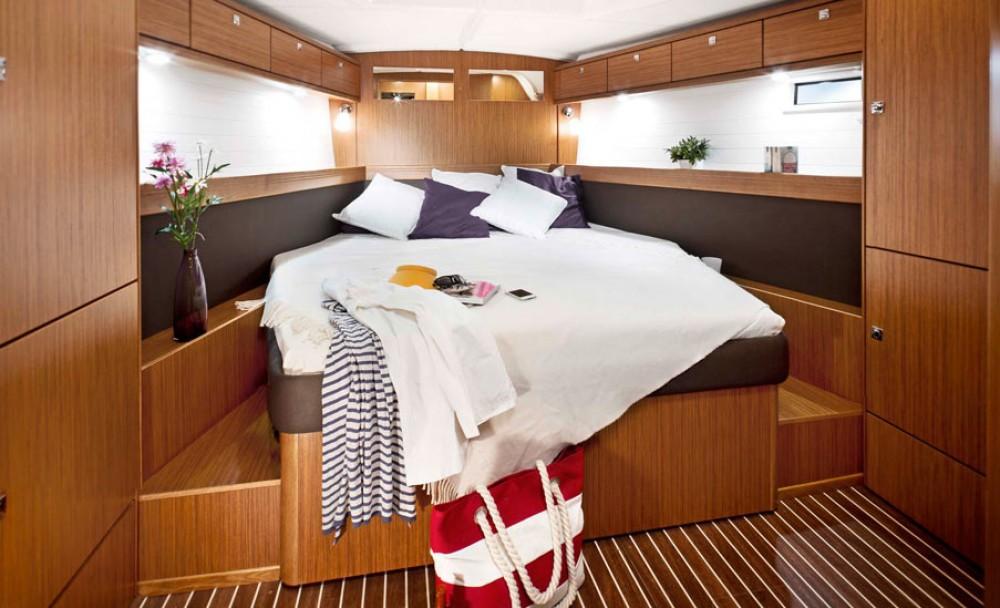 Alquiler de yate Marina Šangulin - Bavaria Cruiser 46 en SamBoat