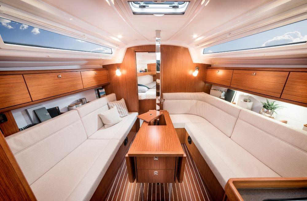Bavaria Cruiser 34 entre particulares y profesional Zadar