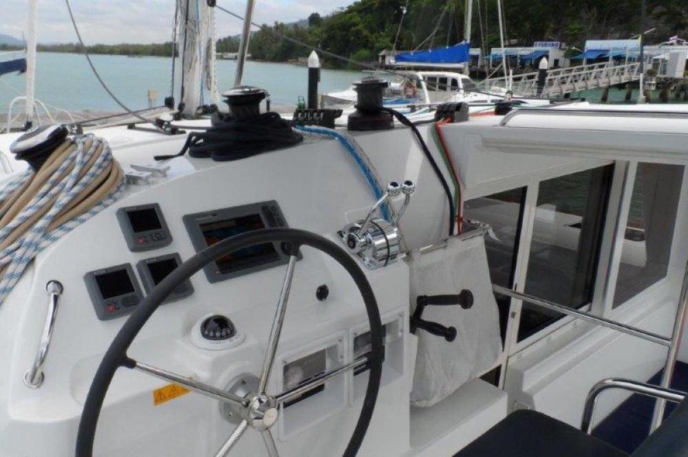 Alquiler Catamarán en Phuket - Lagoon Lagoon 400