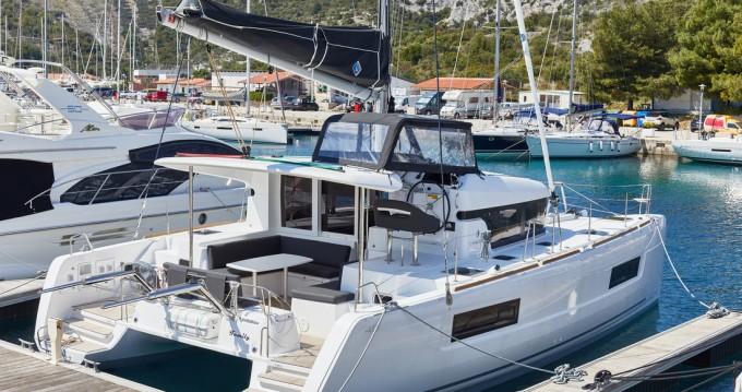 Catamarán para alquilar Primošten al mejor precio