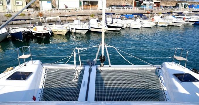 Alquiler de Lagoon Lagoon 42 en Salerno