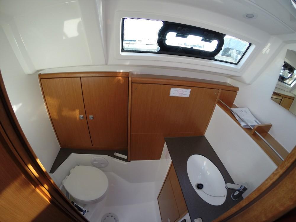 Alquiler de yate Vrsar - Bavaria Cruiser 37 en SamBoat
