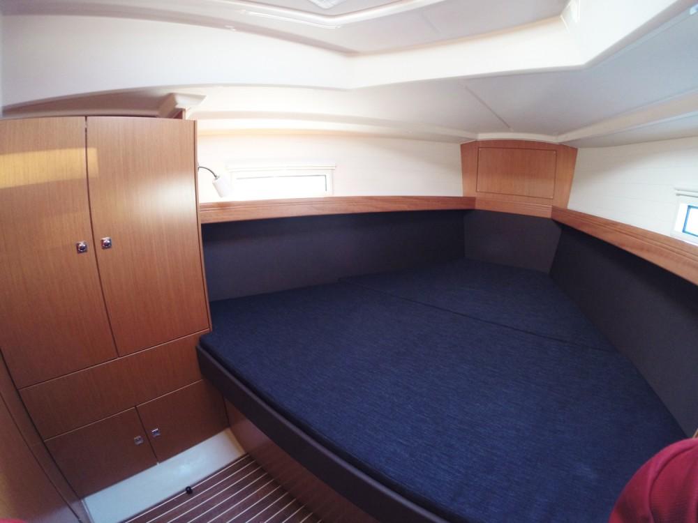 Alquiler de barcos Vrsar barato de Cruiser 37