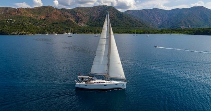 Alquiler de barcos Marmaris barato de Oceanis 40