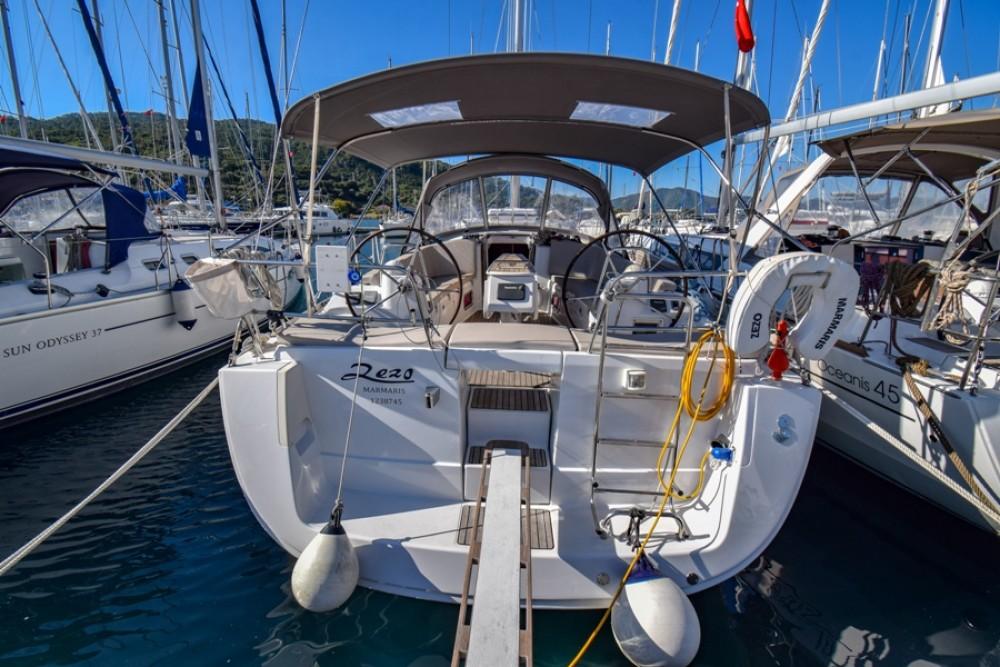 Alquiler de barcos Marmaris Yacht Marina A.Ş barato de Oceanis 40