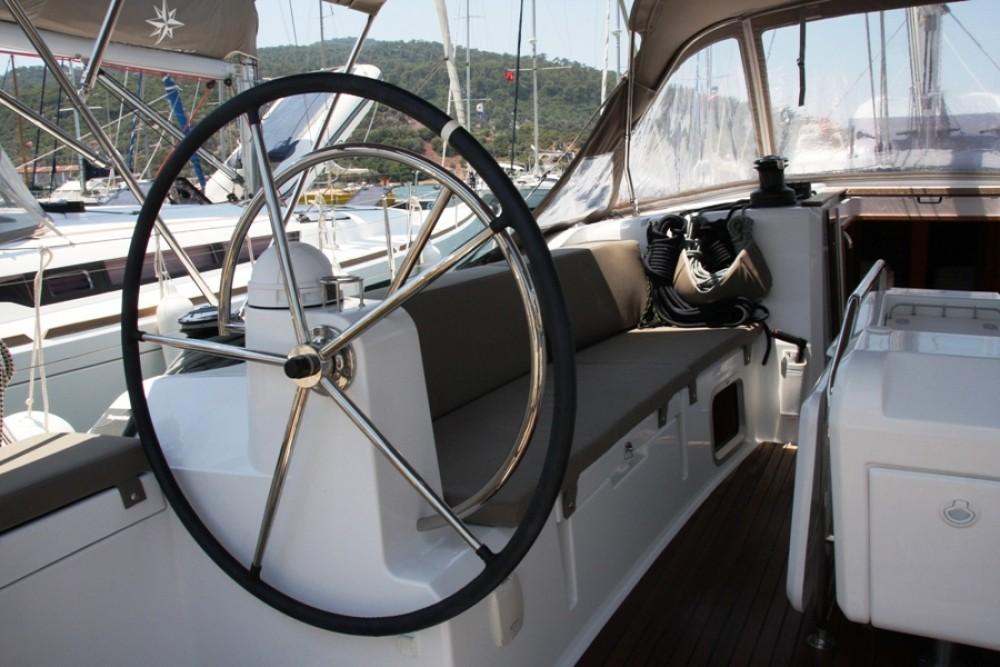 Jeanneau Sun Odyssey 479 entre particulares y profesional Marmaris Yacht Marina A.Ş