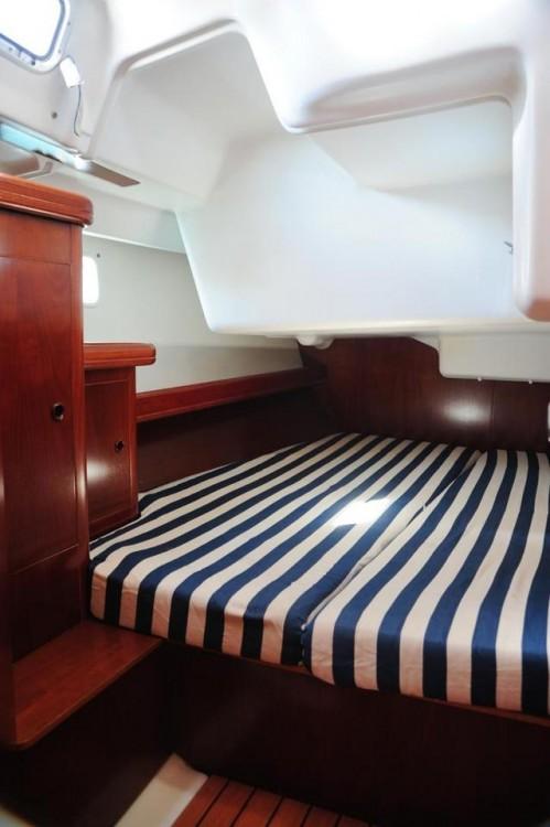 Alquiler de barcos Peloponnese barato de Oceanis