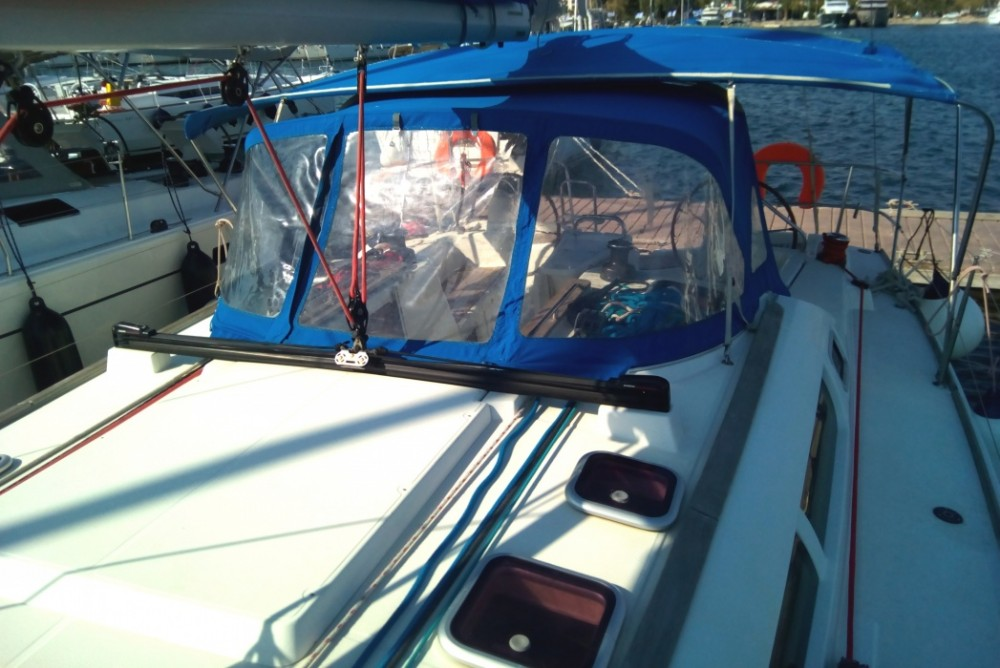 Jeanneau Sun Odyssey 42i entre particulares y profesional Peloponnese