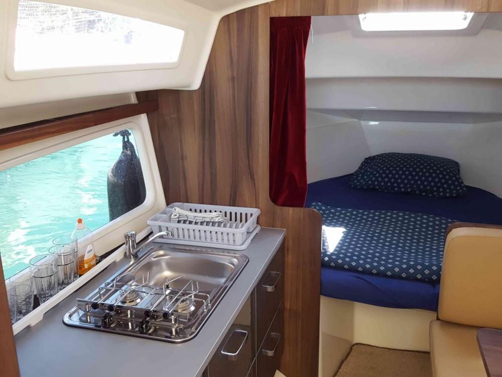 Balt-Yacht Balt 818 Titanium entre particulares y profesional Kukljica