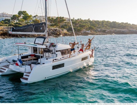Alquiler de barcos Portocolom barato de Lagoon 40