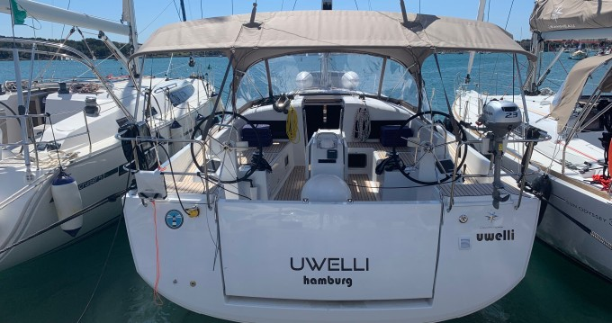 Alquiler Velero Jeanneau con título de navegación