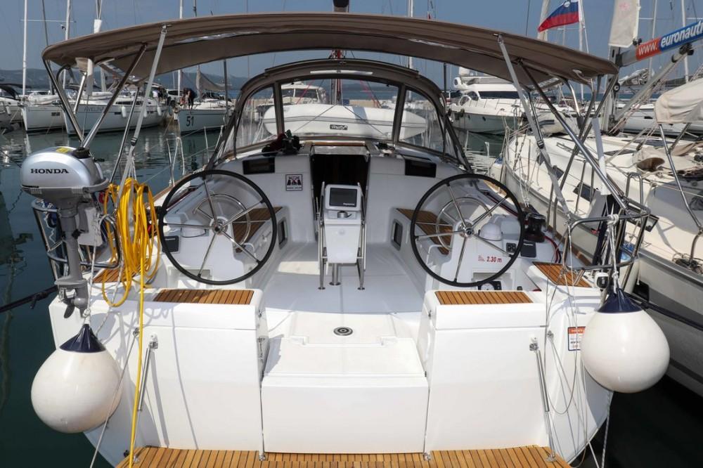 Alquiler de barcos  barato de Sun Odyssey 449
