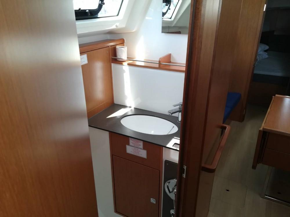 Alquiler de Bavaria Cruiser 37 en Pula