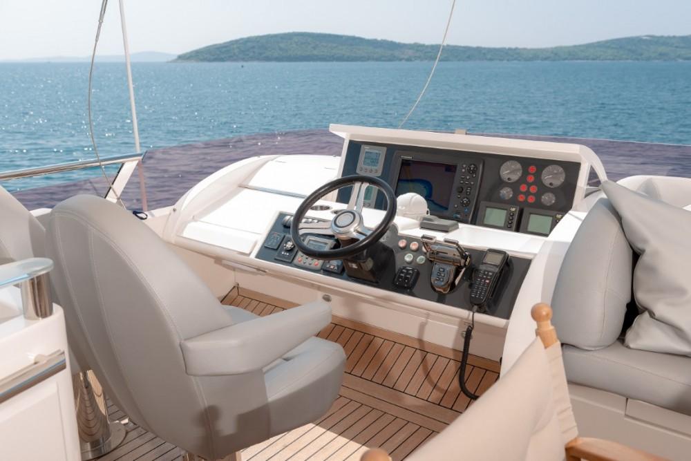 Alquiler de barcos Podstrana barato de Princess 72 Flybridge - 4 + 1 cab.