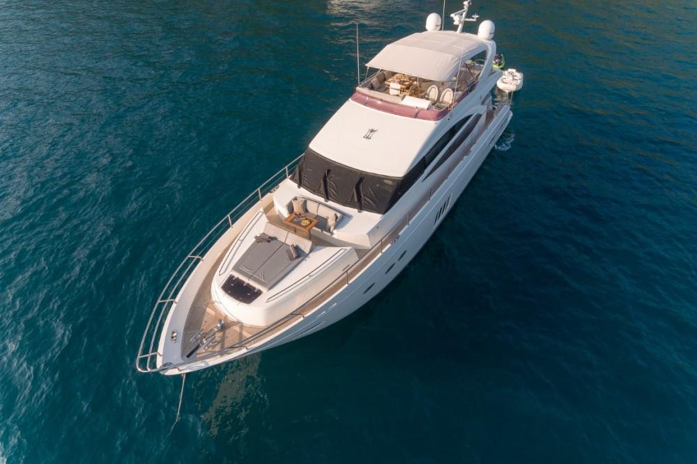 Alquiler de Lancha, con o sin patrón Princess-Yachts Podstrana