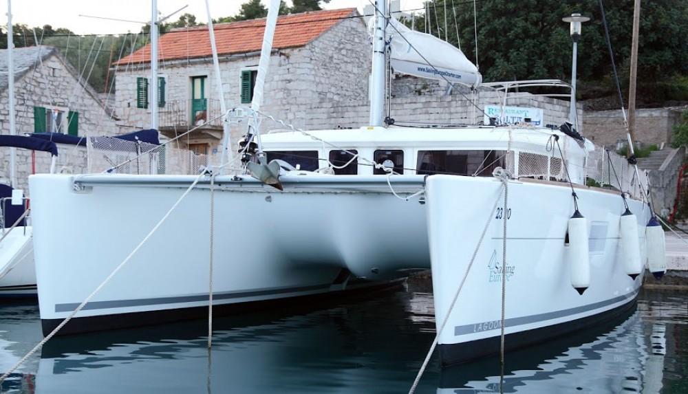 Alquiler de barcos Rogač barato de Lagoon 400