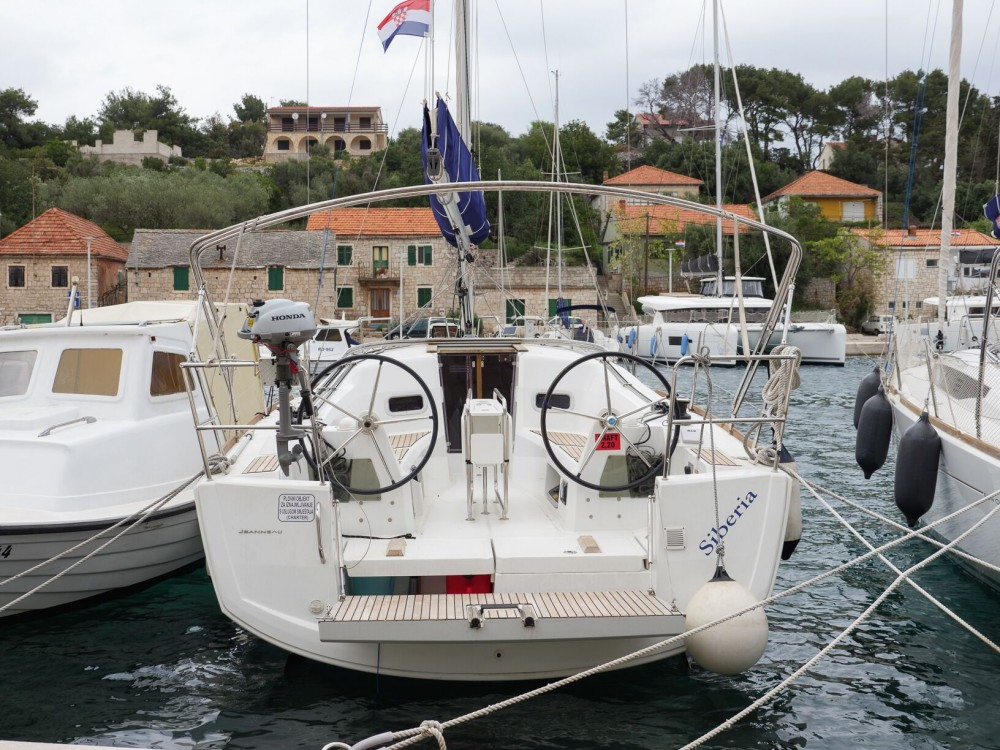 Alquiler de barcos Jeanneau Sun Odyssey 349 enRogač en Samboat