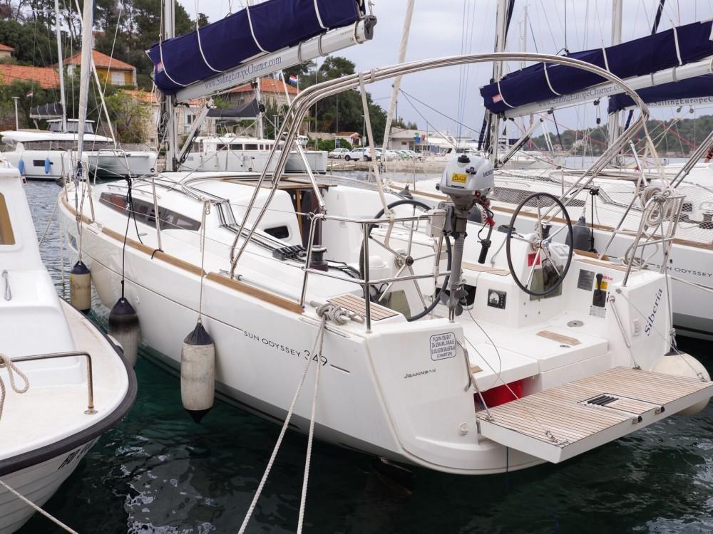 Alquiler de barcos Rogač barato de Sun Odyssey 349