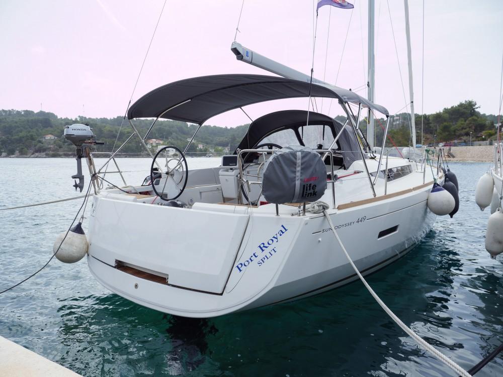 Alquiler de barcos Rogač barato de Sun Odyssey 449
