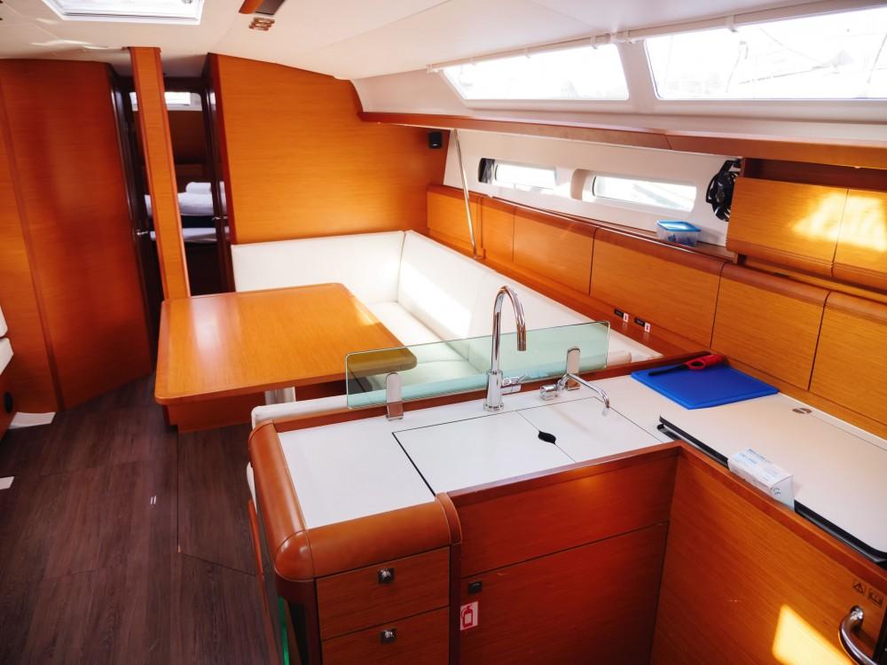Alquiler de yate Rogač - Jeanneau Sun Odyssey 449 en SamBoat