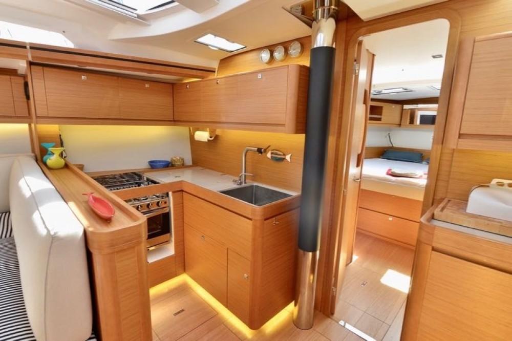 Alquiler de barcos Cecina barato de Dufour 520 Grand Large