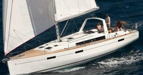 Alquiler de barcos Bénéteau Oceanis 45 enSukošan en Samboat