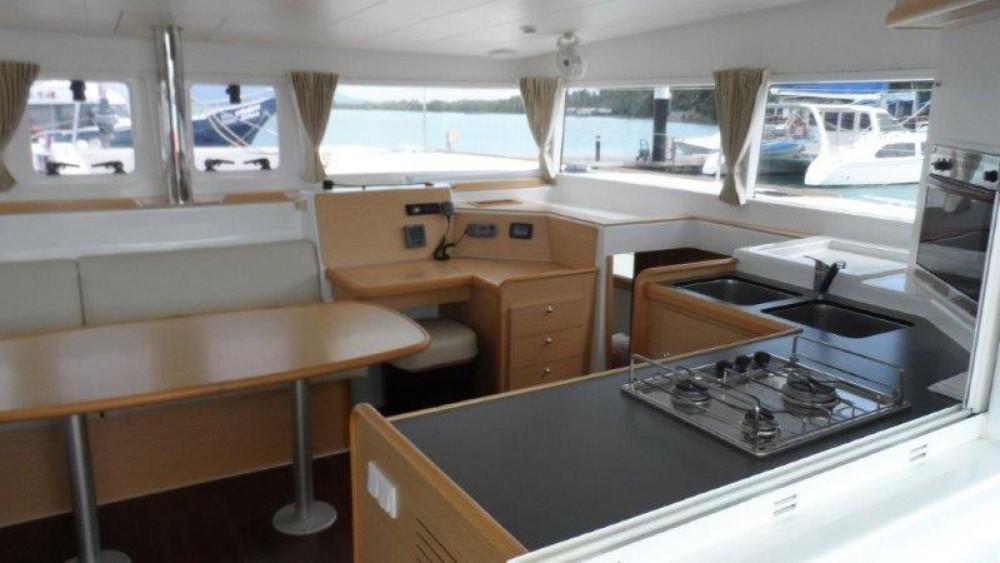 Alquiler de barcos Phuket barato de Lagoon 400