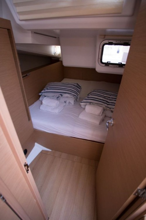 Jeanneau Sun Odyssey 440 entre particulares y profesional Seget Donji