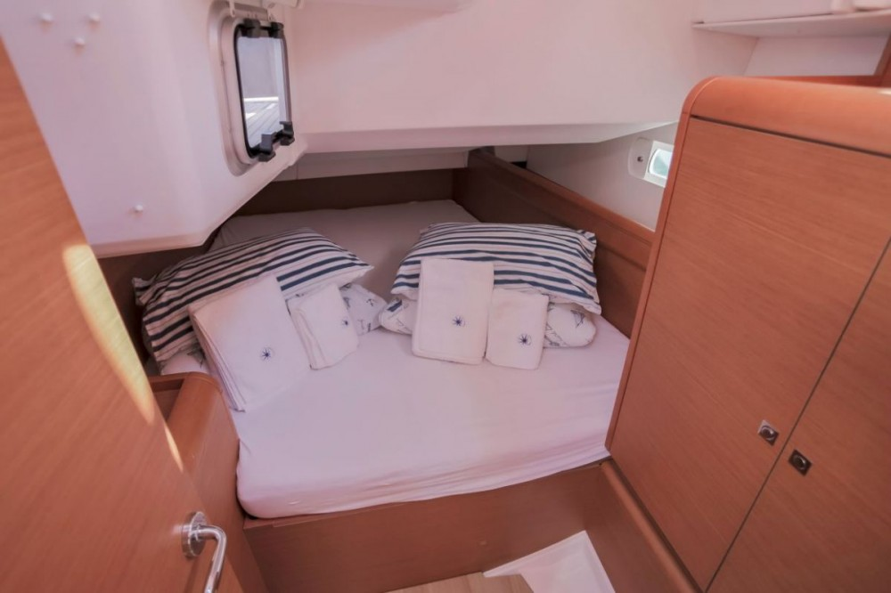 Jeanneau Sun Odyssey 449 entre particulares y profesional Seget Donji
