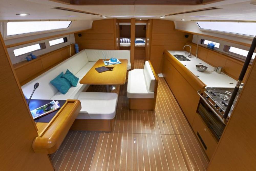 Alquiler de barcos  barato de Sun Odyssey 479