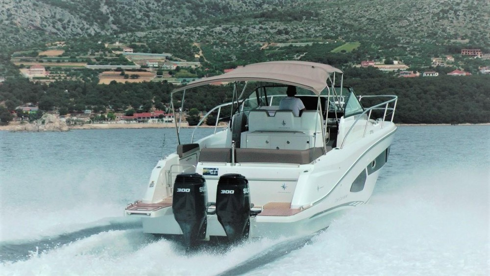 Alquiler de barcos Trogir barato de Cap Camarat 10.5 WA